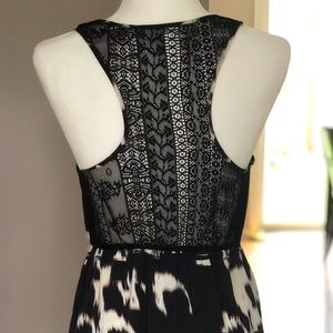 Dresses & Skirts - Kimchi Blue Lace-back Dress